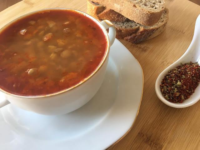Yeşil mercimekli çorba /yeşil mercimek çorbası / Uşak yemekleri / Kolay tarifler Kişniş otunda sizleri bekliyor