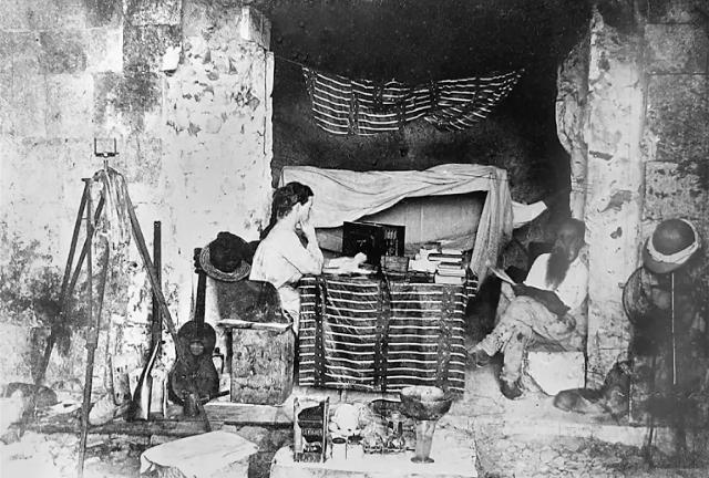 Alice Dixon, la fotógrafa que vivió en el Palacio del Gobernador en Uxmal