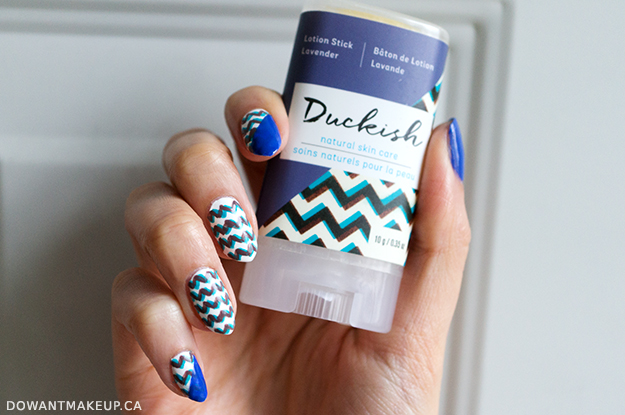 Duckish chevron nail art
