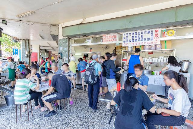 MG 0634 - 陳記早點,台中國圖館人氣中式早餐,排隊人潮超誇張,網友推薦煎餃、煎包果然大份量!