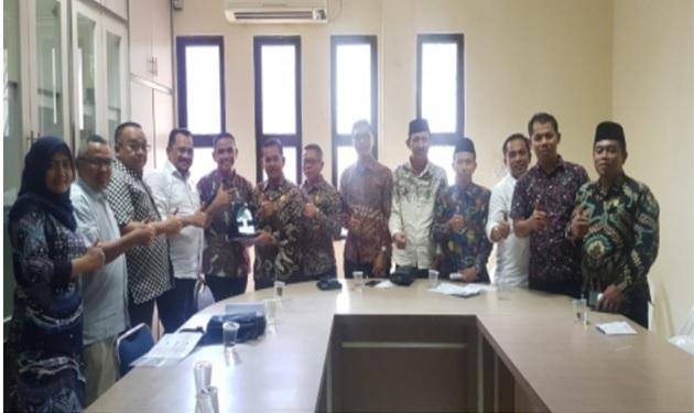 Komisi I DPRD Kab.Meranti Bersama Disdukcapil Melaksanakan Kunjungan Kerja di Disdukcapil Batam