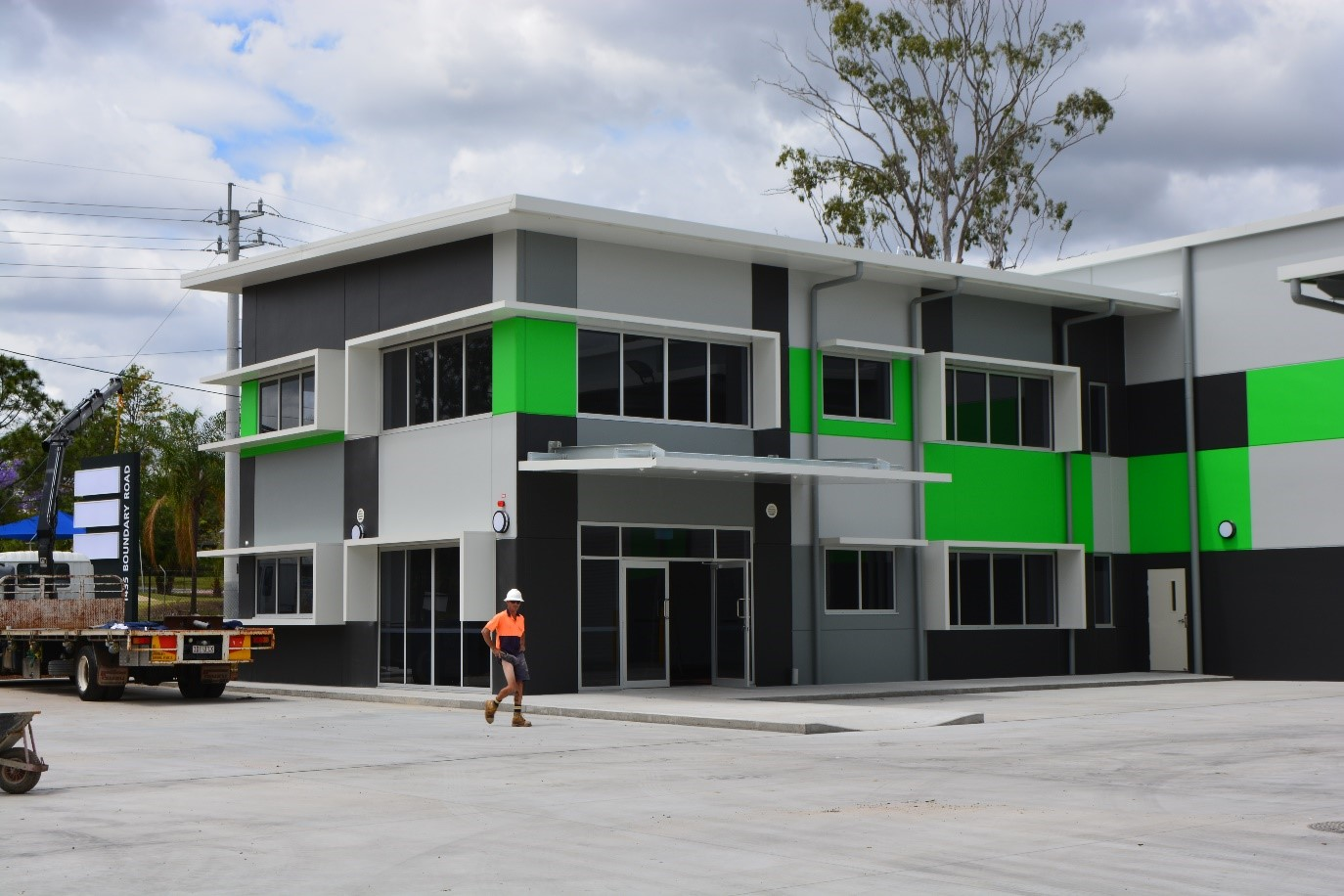 Retracom Group Sunshades And Awnings For Commercial Premises At Wacol