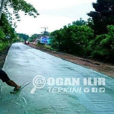 Cor Beton, Jalan Utama Desa Penyandingan - Srijabo Sekarang Mulus