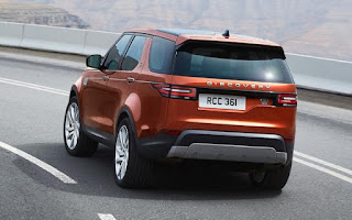 2017 Land Rover Discovery SUV rear view