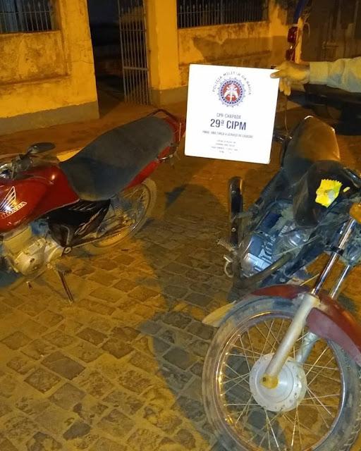 Motocicletas com chassí pinado são apreendidas pela polícia na zona rural de  Ibitiara