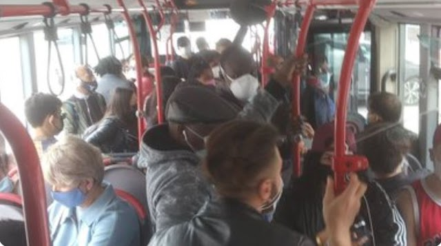 Una normale mattina sui mezzi pubblici della Capitale