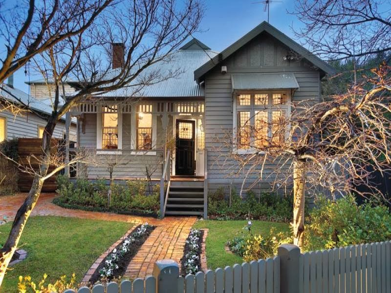 Hogares frescos fachadas de casas especial de hogares for Fachadas chalets clasicos