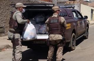 Base Comunitária doa 1 tonelada de alimentos em Conquista