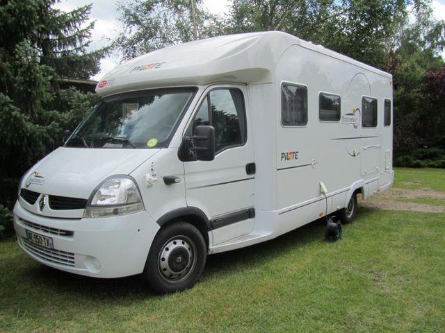 v hicule r cr atif motoris caravaning vendre camping car renault master. Black Bedroom Furniture Sets. Home Design Ideas