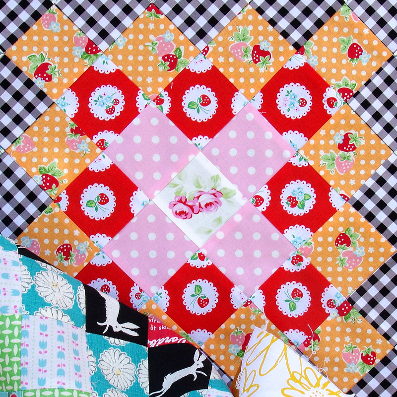 Giant Granny Square Quilt ~ Work in Progress | © Red Pepper Quilts 2017