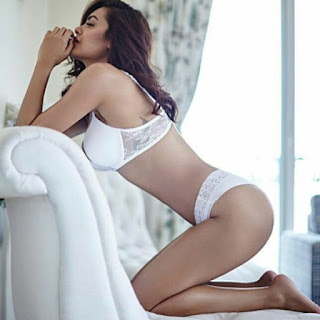 Esha Gupta In White Bra And Panty
