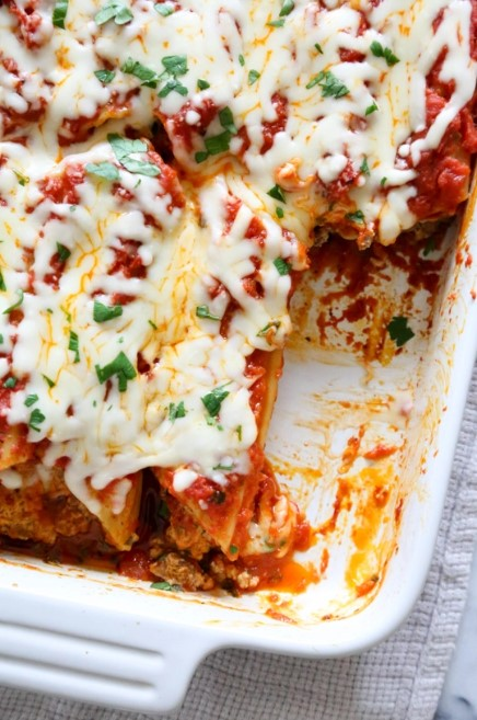 BAKED BEEF AND CHEESE MANICOTTI