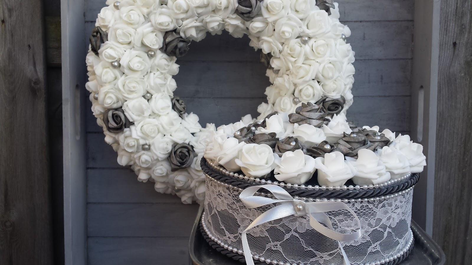Wonderbaarlijk Décora decoraties: Krans met roosje in grijs met wit en KD-31