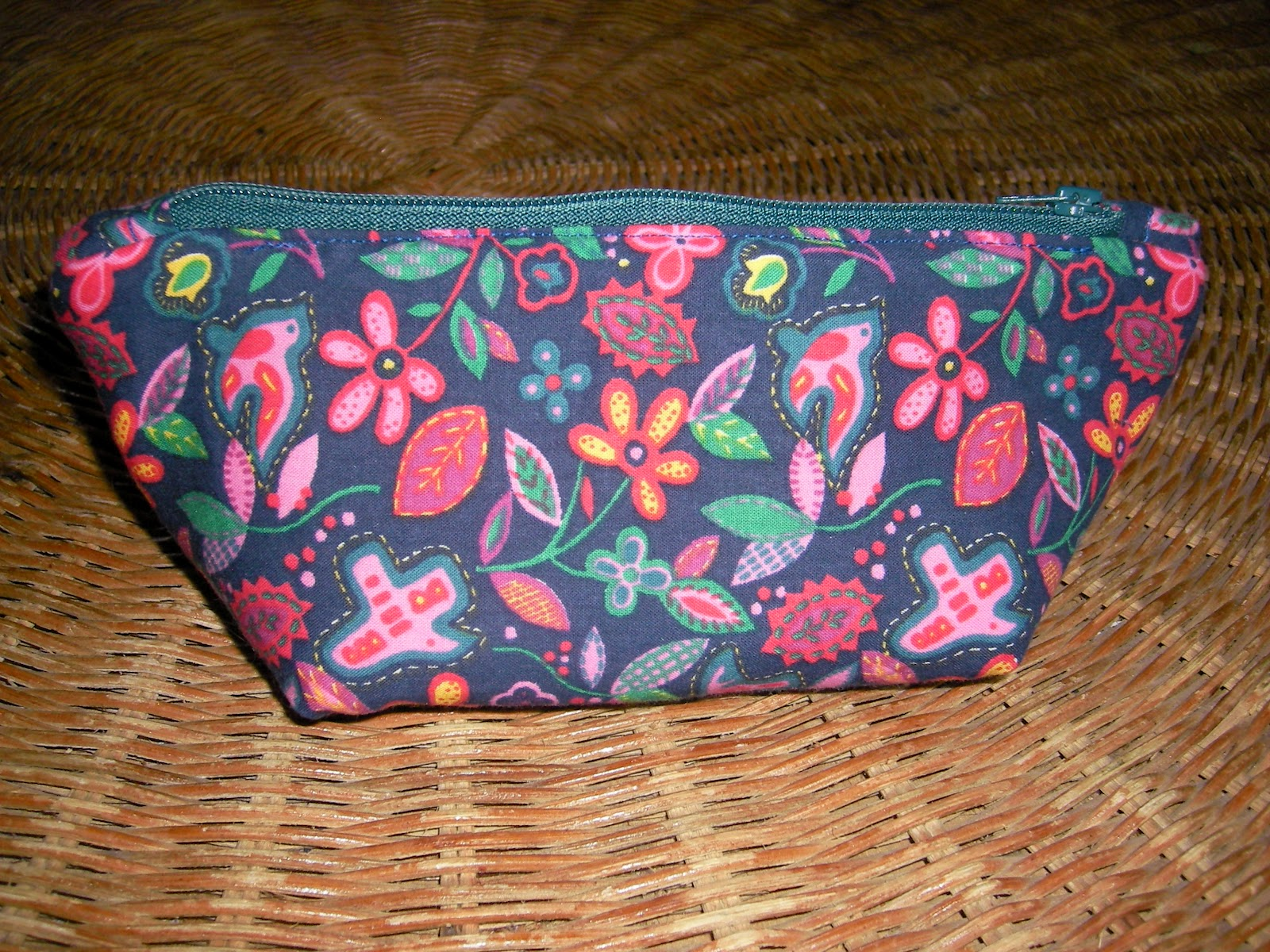 juan s wunderland kleines t schchen f r die handtasche. Black Bedroom Furniture Sets. Home Design Ideas