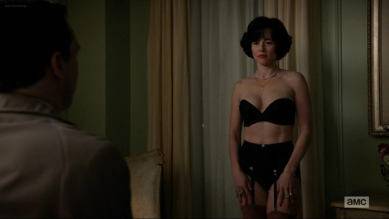 Linda Cardellini Panties 14
