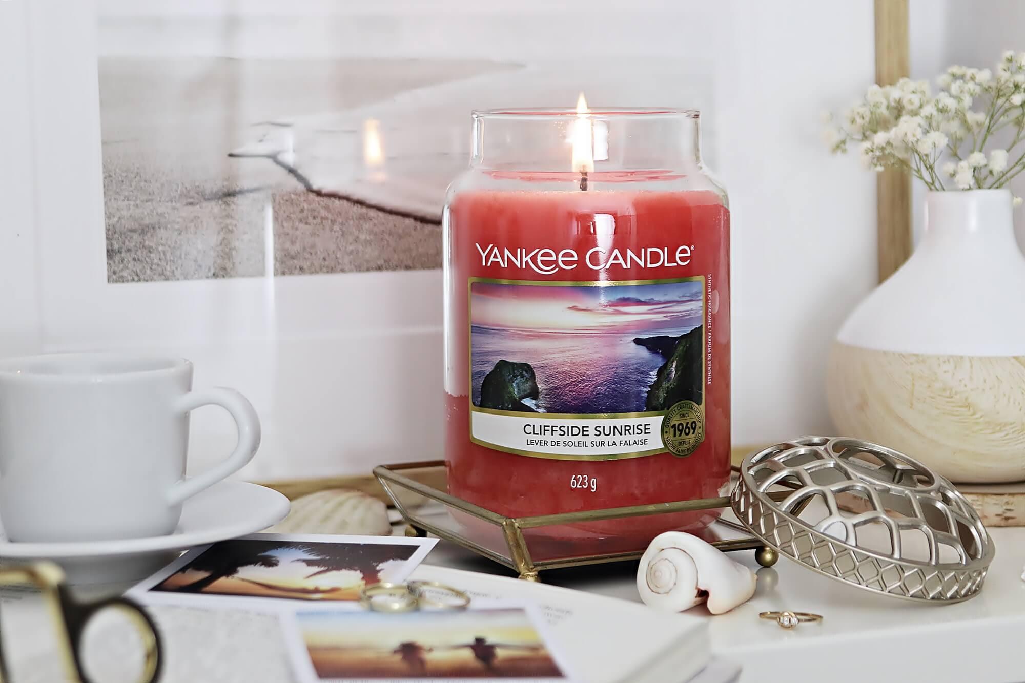 Yankee Candle Cliffside Sunrise - zapach lata o wschodzie słońca