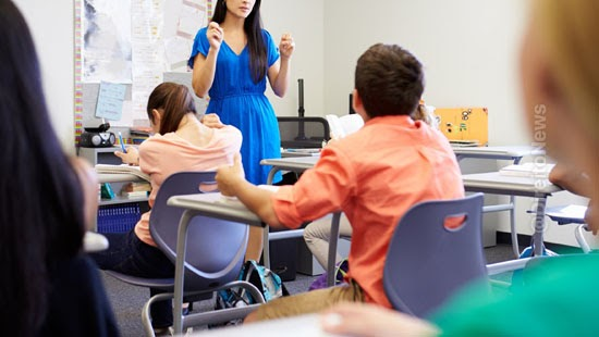 assinar contrato pais responsaveis mensalidades escolares