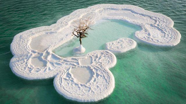 isola-di-sale-mar-morto