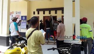 warga Cidahu segel kantor desa