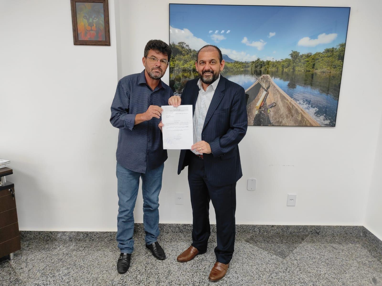Deputado Laerte Gomes garante recurso para aquisição de playground que atenderá Escola Municipal Monteiro Lobato no distrito de Terra Boa