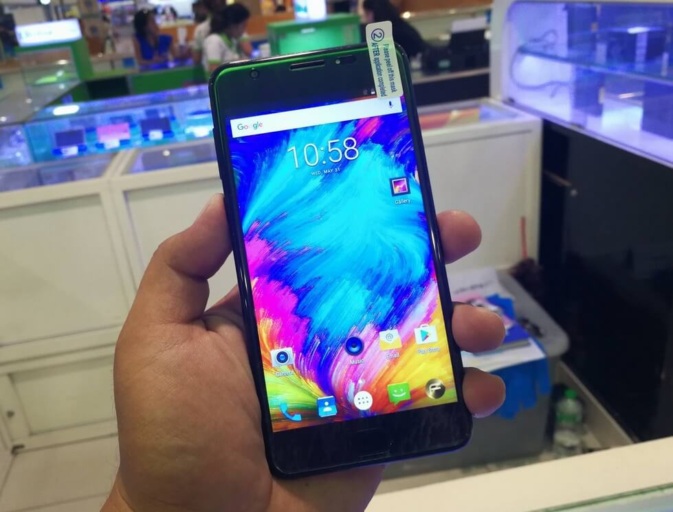 Firefly Mobile Aurii F8 Premium Now in Stores; Quad Core Android Nougat for Php3,999
