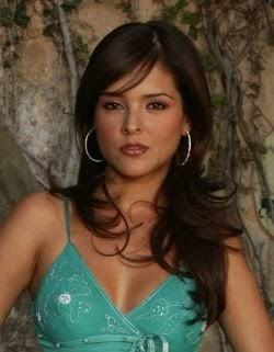 Alma delfina actriz mexicana ensenando las tetas - 1 part 2