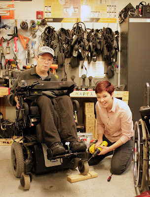 an IDASL student works on a wheelchair for client Gordon Richins