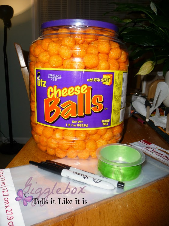 Halloween party treat idea with cheese balls, pumpkin cheese balls treat bags, Halloween, Halloween party treat idea,