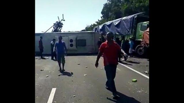 Selamat dari Kecelakaan Maut Tol Cipali, Tubuh Rijal Jungkar Balik : Saya Duduk di Tengah