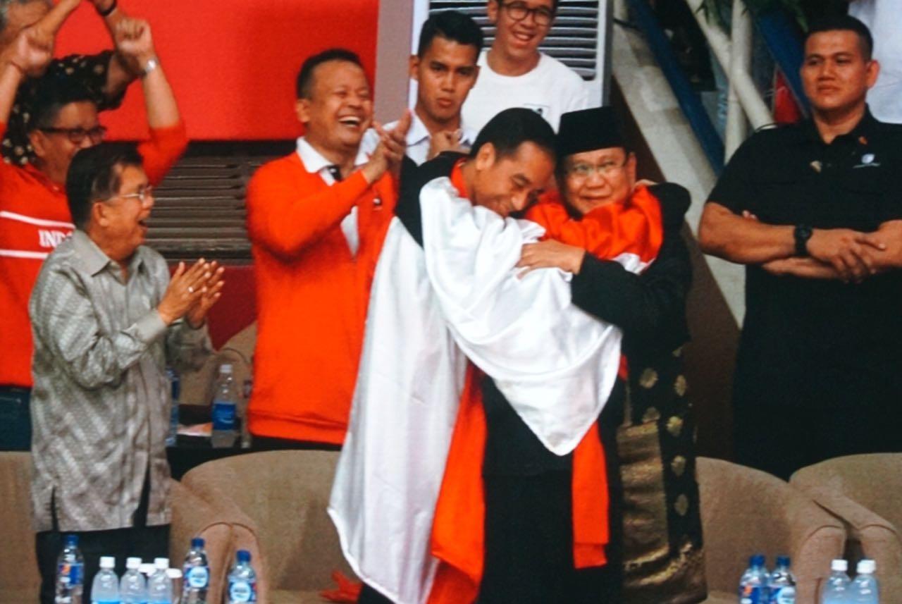 Jokowi Berikan Pujian, Akun Ini Tetap Nyinyir ke Prabowo Subianto