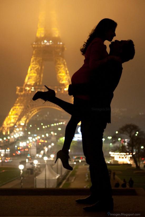 Hug Cute Couple Lift Girl Paris Tower