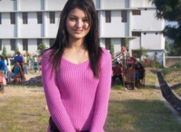 Urvashi Rautela Wiki | Biography | Age | Mother | Height | Affair | Family