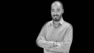 Ανείπωτη θλίψη: Πέθανε ο Πέτρος Σκλαβενίτης