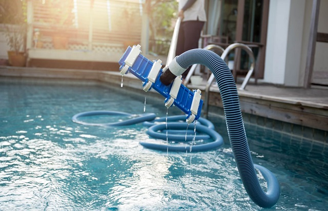 how to find best pool maintenance provider top pools service
