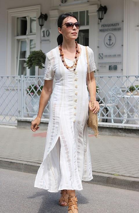 Zwiewna sukienka na lato