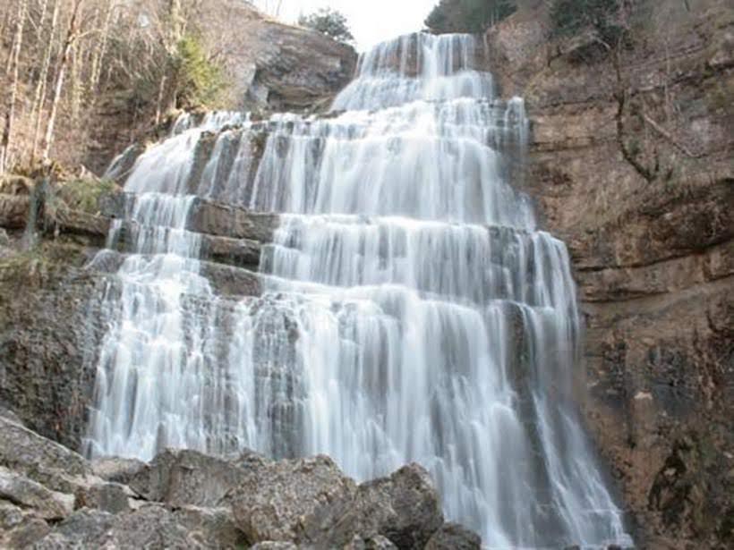 Cachoeiras do Ouriço - Locais mais insólitos para conhecer na França