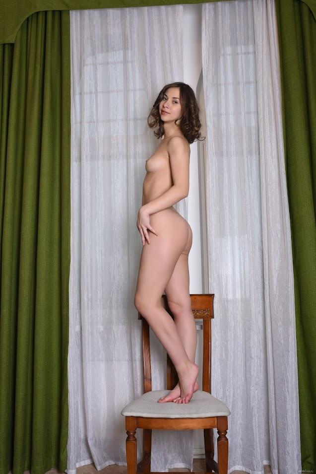 [EroticBeauty] Kristi C - Presenting - idols