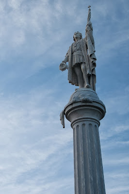 Christopher Columbus statue, Colon Plaza