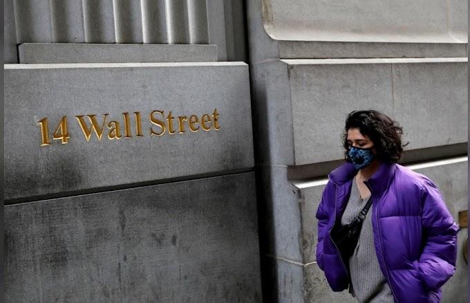 Las acciones mundiales, el dólar suben con los datos económicos de EE. UU.