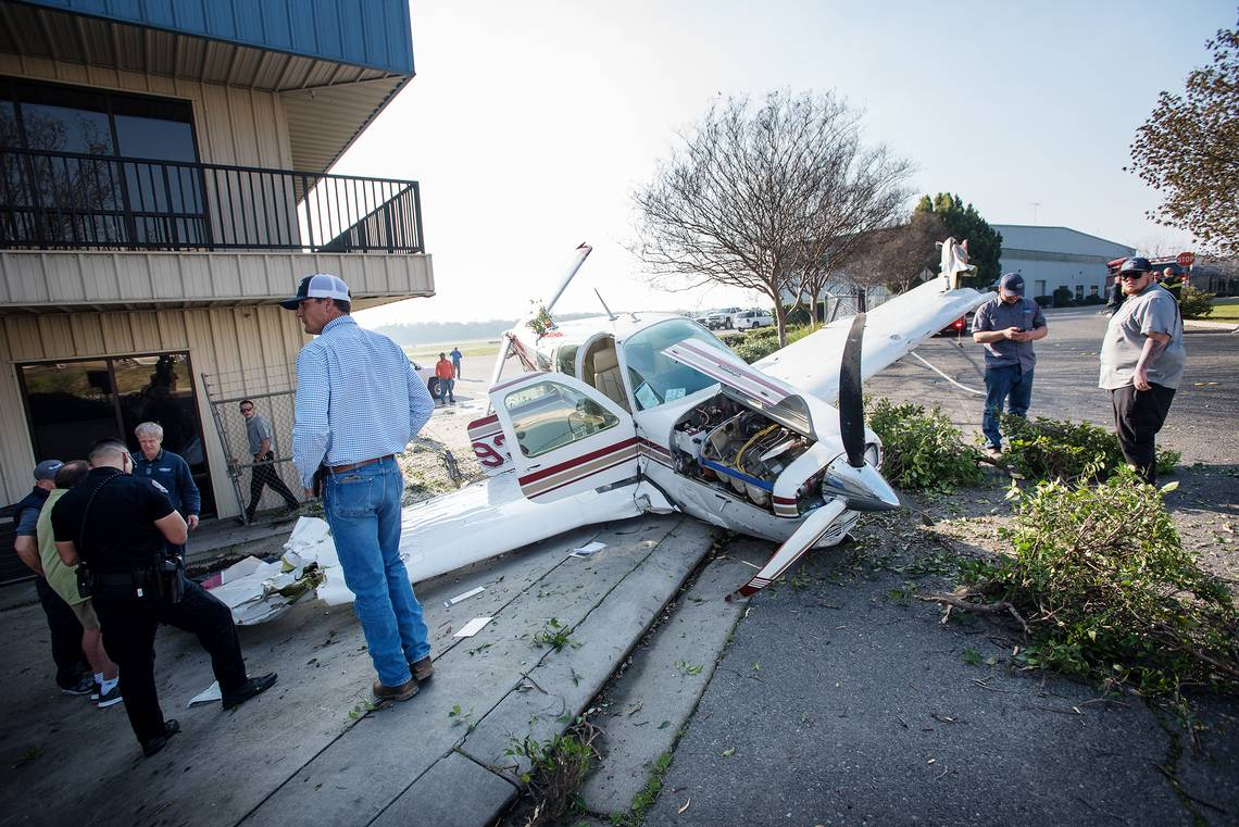 Kathryn's Report: Beechcraft V35B Bonanza, N18493: Accident occurred