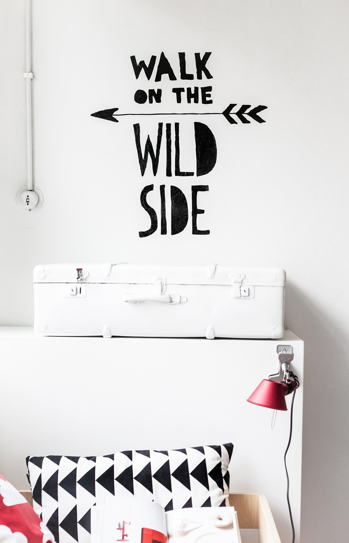 walk on the other site wall sticker Chispum at Rafa-kids