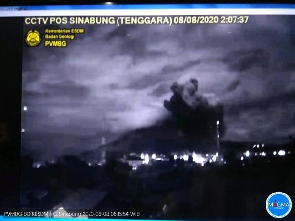 Erupsi Lagi, Gunung Sinabung Berstatus Siaga