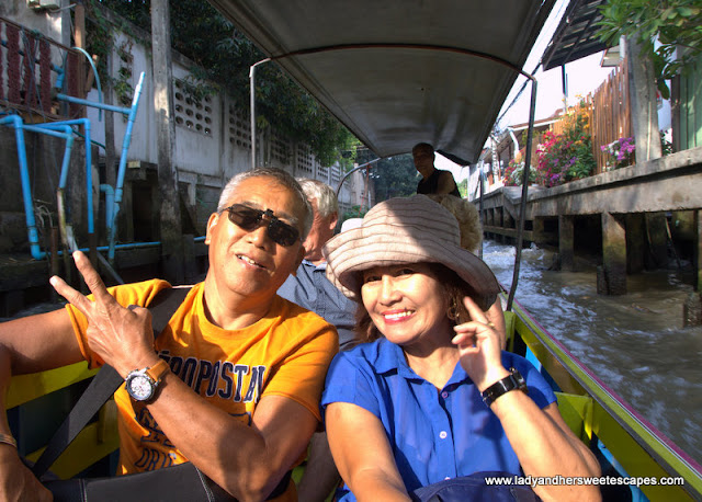 longtail boat to floating market