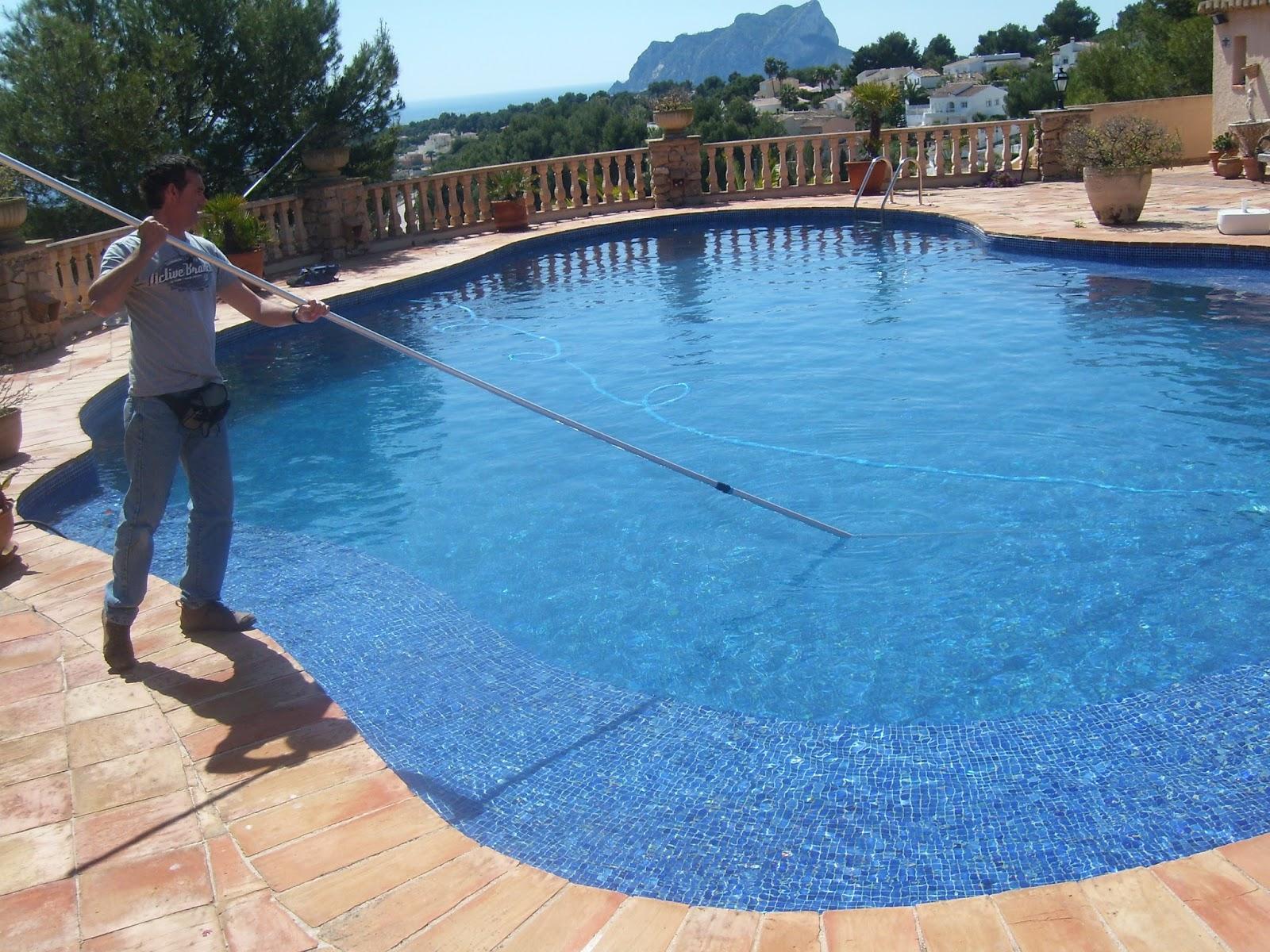 T cnico en mantenimiento de piscinas mantenimiento de for Guia mantenimiento piscinas