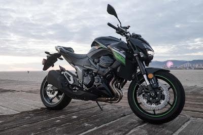 Kawasaki-Z800-Side-View-Green-Hd Image