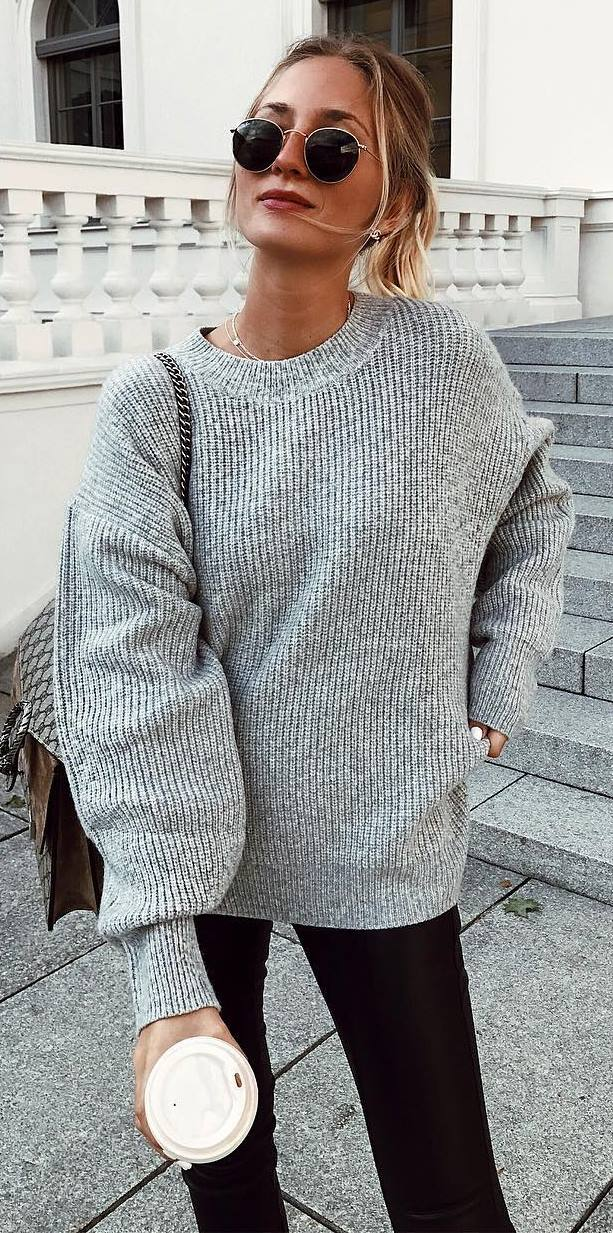 how to style a knit sweater : bag + skinnies