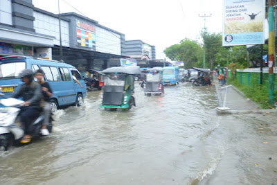Foto Istimewa:  Saat hujan menguyur kawasan kampus Universitas Negeri Gorontalo