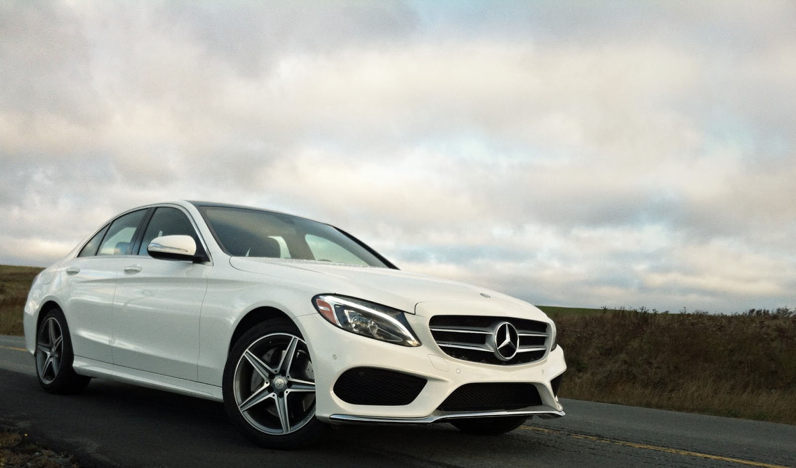 2015 mercedes benz c400 4matic review an actual luxury for Autos mercedes benz