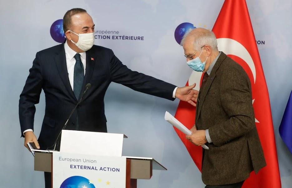 """Ο Τσαβούσογλου με …""""τουρκικό μέλι"""" στις Βρυξέλλες"""