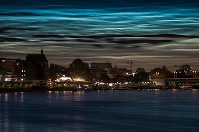 Csodálatos világító felhőket kaptak lencsevégre Németország és Hollandia felett